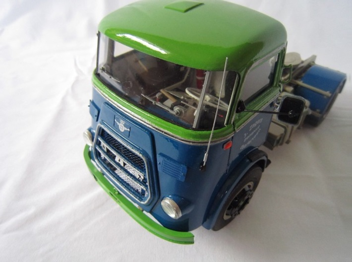 DAF2-JZ-1to24 3d printed A beautiful and complete DAF Truck on the inside and out; by J. Zagers (NL)