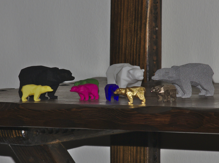 A Bear - 5cm 3d printed The larger bears on the picture is this model
