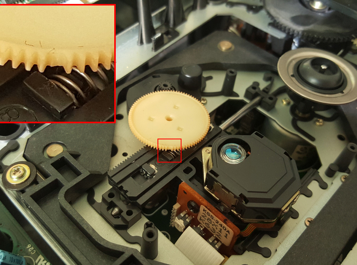 ST Double Gear - MegaCD1 NeoGeoCD, Super CDROM2 v1 3d printed Original part in place, showing damage