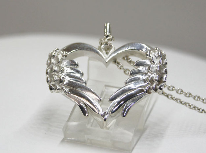 Winged Heart Pendant 3d printed