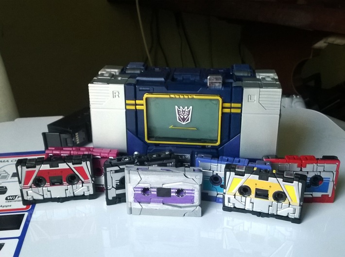 Transformers Cassette-F22-cheap-no-logo 3d printed