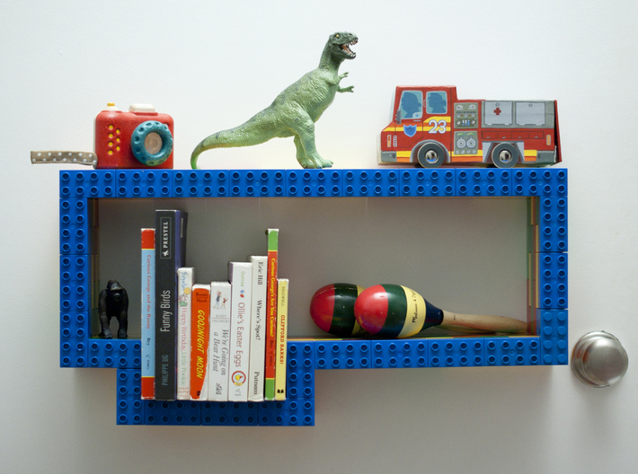 Links 3d printed Bookshelf creates with three links along the top edge.