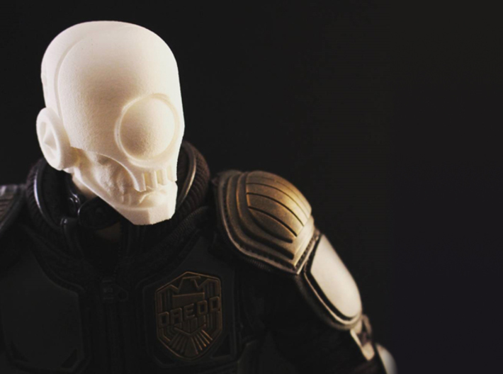 """""""Skullgrin v2"""" custom 1:6th scale head 3d printed Posed on a 1:6th scale figure with my mid-length neck - accessories and neck not included"""