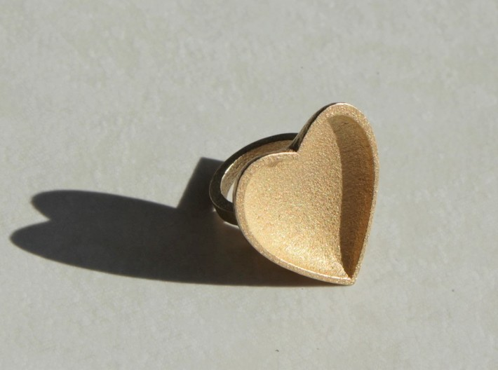 Curved Heart Ring - Metal  3d printed