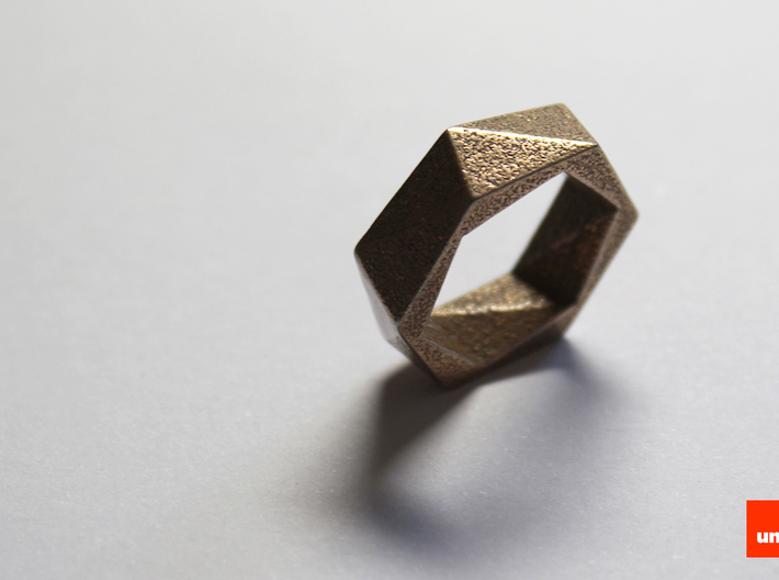 Twist-ring (small) 3d printed In Stainless Steel