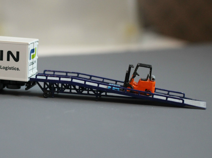 N Scale Forklift Ramp 3d printed Side view, the forklift driver is on his lunch break...