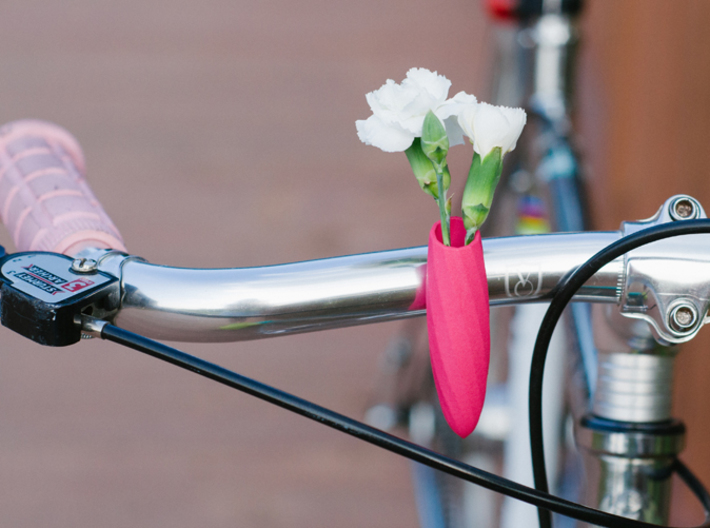 Twisted Vase for your Bike 3d printed In Hot Pink Polished
