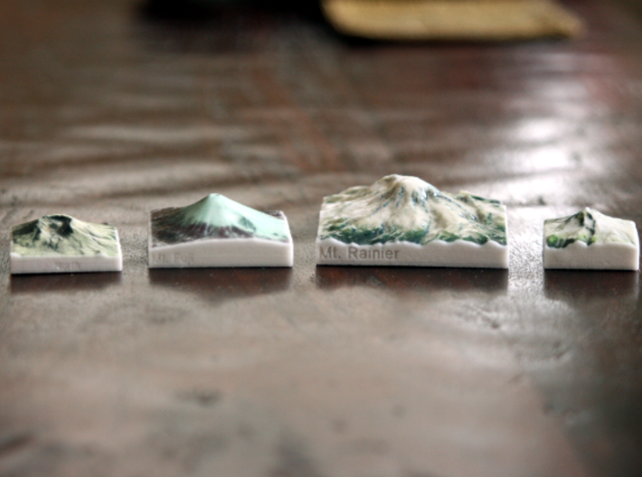 Mt. Rainier, Washington, USA, 1:250000 Explorer 3d printed Mt. St. Helens, Mt. Fuji, Mt. Rainier, and Mt. Hood, all in the same scale!