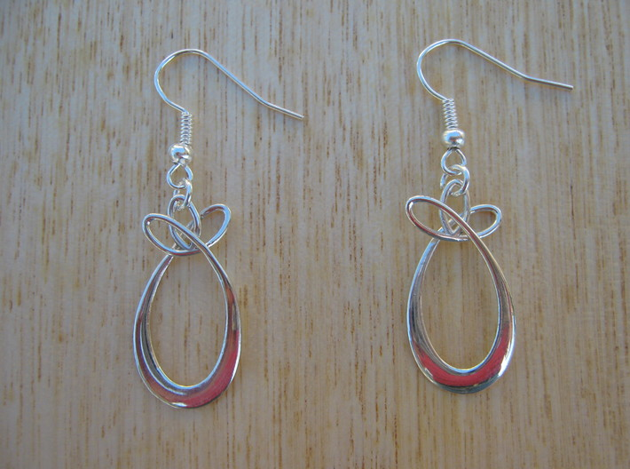 Oval With Bow Earrings 3d printed