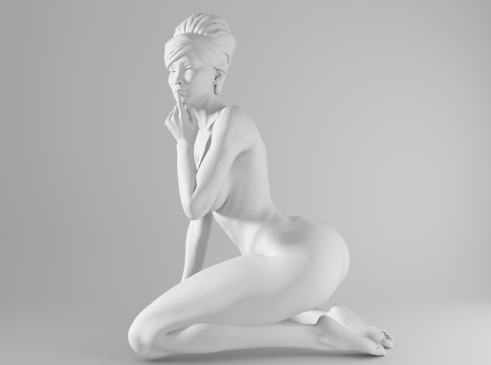 1/10 Sexy Girl Sitting 008 3d printed