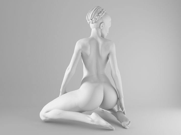 1/10 Sexy Girl Sitting 011 3d printed