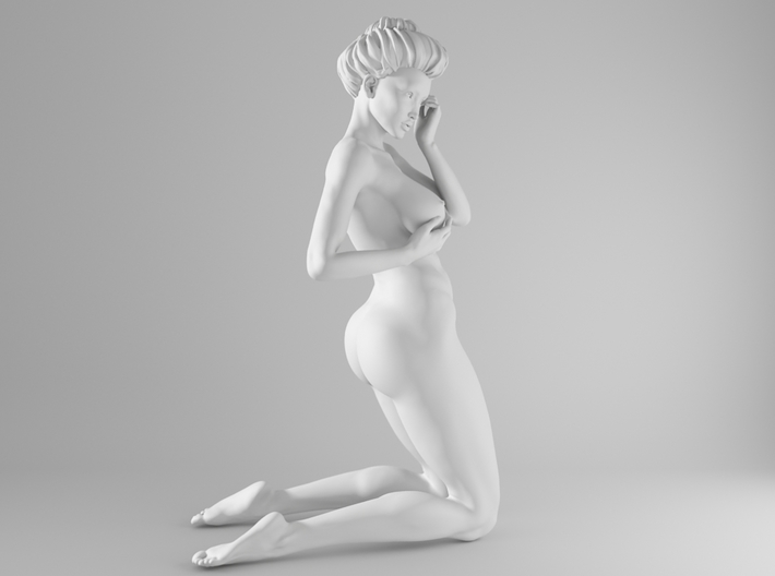 1/10 Sexy Girl Sitting 017 3d printed