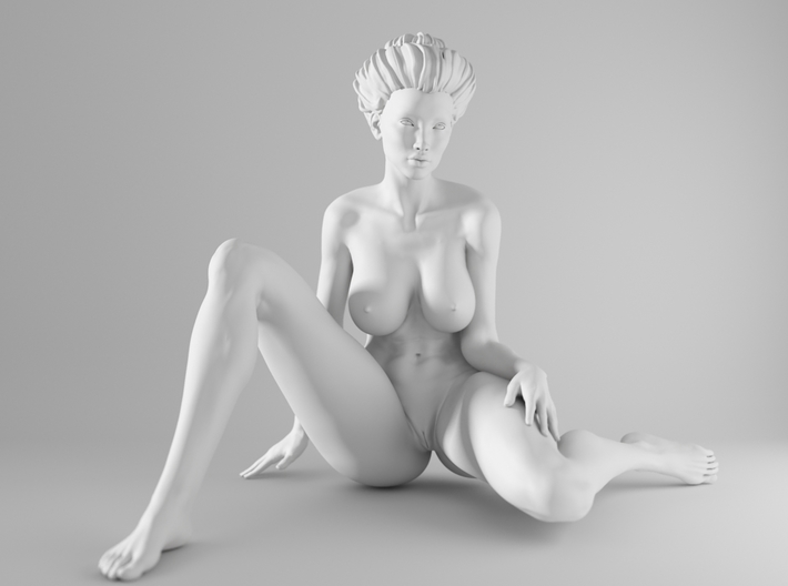 1/10 Sexy Girl Sitting 018 3d printed