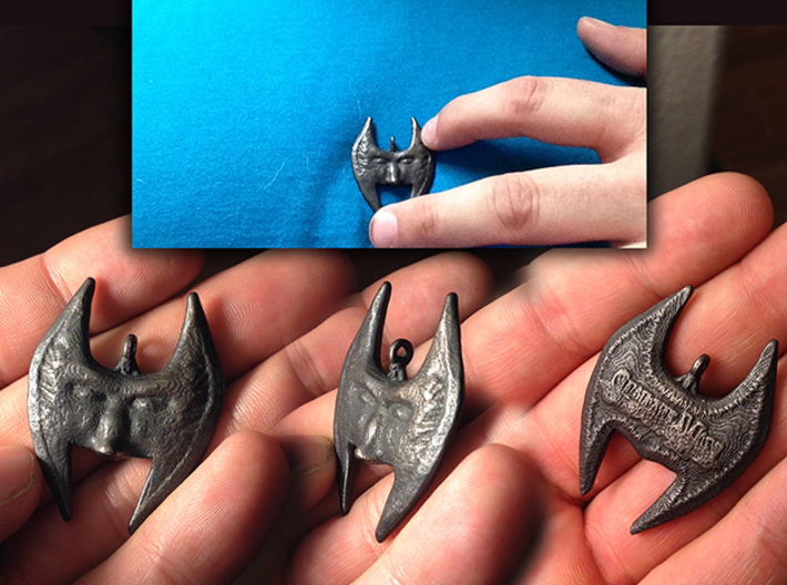 Mask of Shadows - Pendant 3d printed