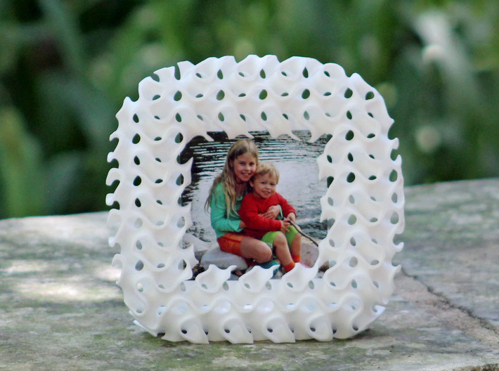 Gyroid Photo Frame 3d printed A photo frame carved out of a gyroid block