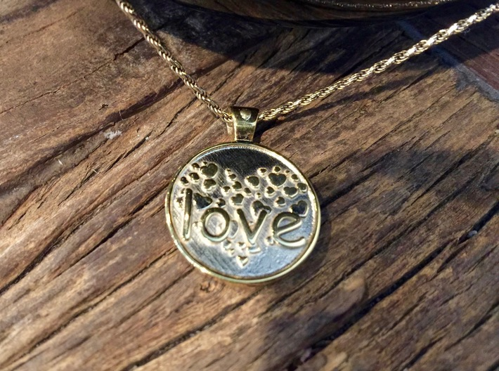Love is Forever, pendant 3d printed Love is forever, closeup of front on chain