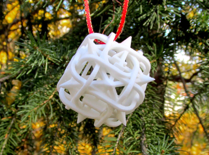 Thorn d6 Ornament 3d printed In White Strong & Flexible