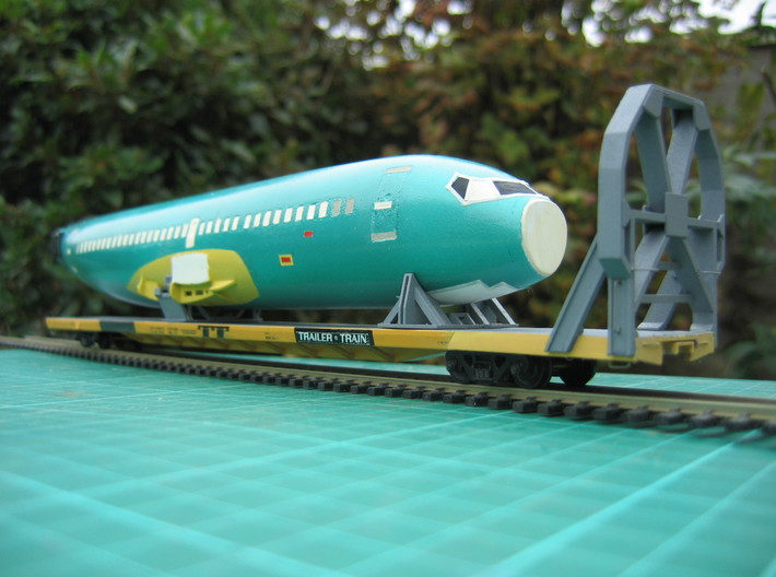 HO 1/87 Boeing 737-400 Fuselage 3d printed In this image you can see the Icebreaker & Cradles (available sparately).
