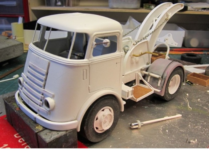 Cab-7S-1to24 3d printed DAF Truck in the building. Thanks to E. Fontein (NL)