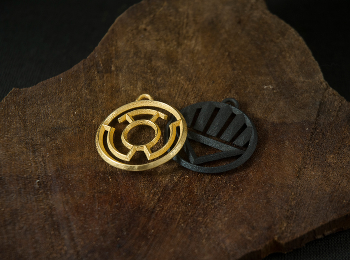 Yellow Lantern Keychain 3d printed Polished Gold Steel & Matte Black Steel