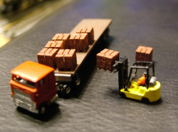 Pallets with Boxes - Set of 9 - Zscale 3d printed Painting and Photo thanks to Walt Smith