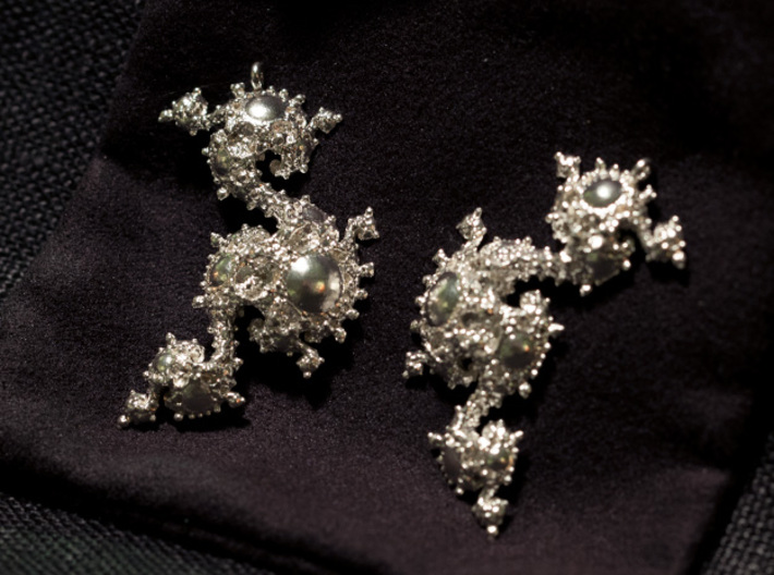 Seahorse Dragon Earrings - Kleinian Fractal 3d printed First snapshot day after arrival...