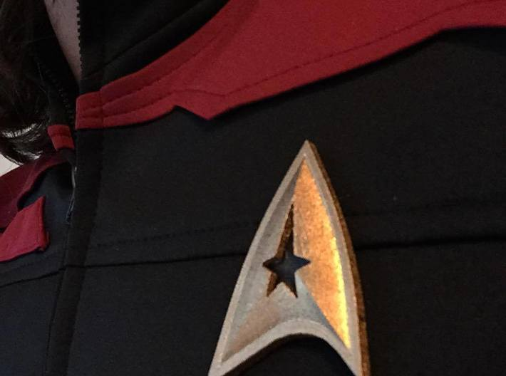 Star Trek Online Command Combadge 3d printed With minimal finishing, the combadge finishes a Star Trek Online Cosplay with a screen-worthy quality.