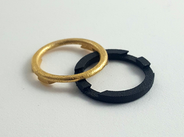 Metal Puzzle Ring! (size:9, side: M) 3d printed