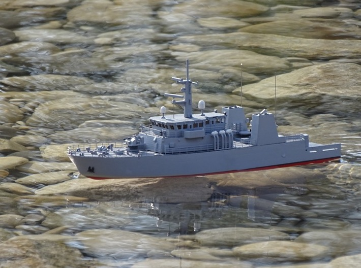 HMCS Kingston, Hull (1:200, RC) 3d printed completed model on the water