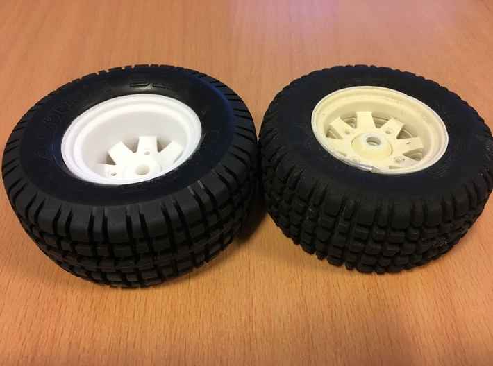 SRB Rear Wheel (with holes) Ranger Brat 3d printed printed (left) original (right)