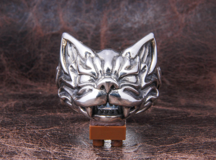 Fu Cat (Komaneko) Ring 3d printed This material is Polished Silver , Patinated with bleach