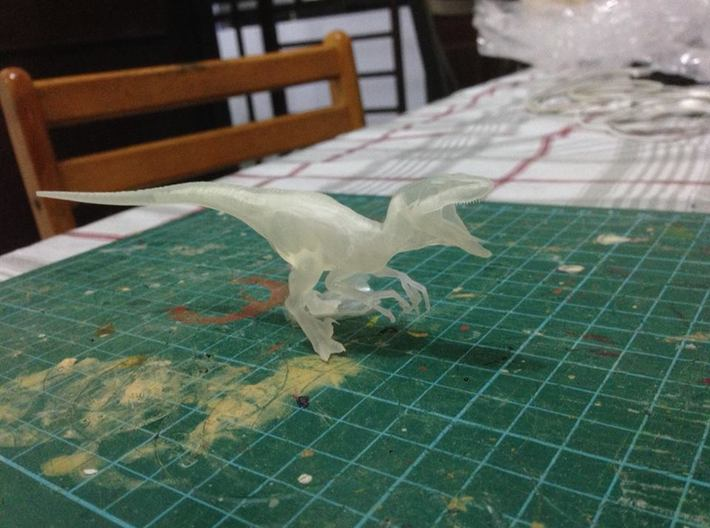 Jurassic Park Raptor v1 1/35 scale 3d printed Frosted Ultra Detail