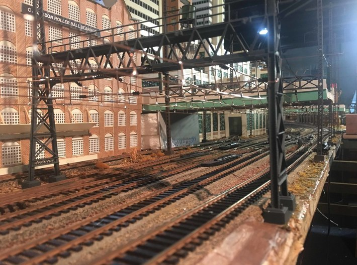 HO Scale PRR W-signal LATTICE 4 Track  W 2-3 PHASE 3d printed a look down the corridor