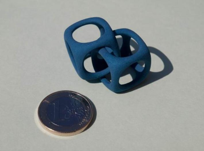 2 Cubes 3d printed 2 Cubes in strong and flexible 02