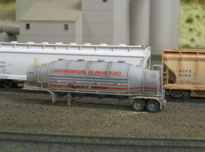 HO 1/87 Dry Bulk Trailer 09b - Heil 1625 Superflo 3d printed Painted, decalled & weathered.