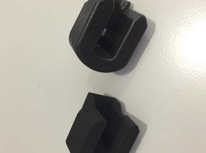 2016 Toyota Tacoma Tailgate Bushing 66143-04020 3d printed Compared to OEM