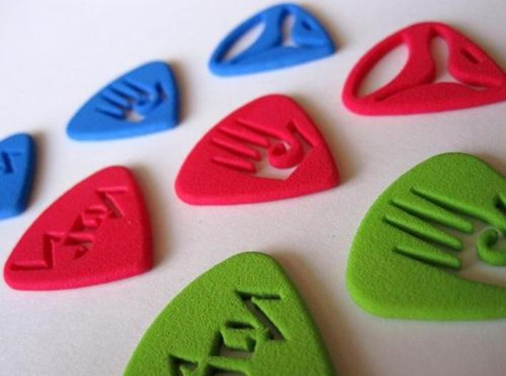 Pix Pics 3d printed Pix Pics - The one and only personalized guitar picks on Shapeways