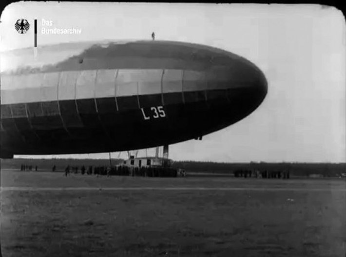 Zeppelin L35 of WWI 1/700 scale 3d printed