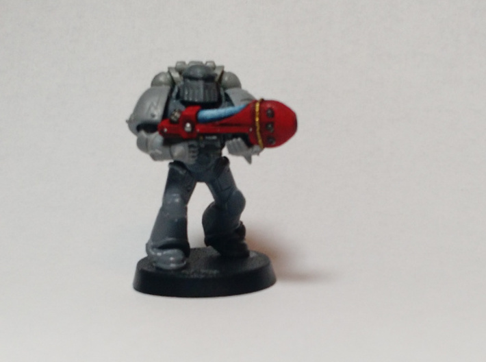 Archaic Plasma Gun x6 3d printed Painted example. Model shown for scale and is not included