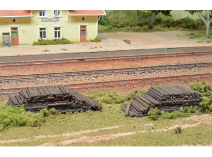 2 piles of removed sleepers (N scale) 3d printed
