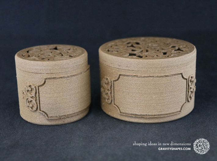Gift Box small with Stars, Ornament & Label No. 3 3d printed The photo shows own prints (FDM print) made of brown wood.