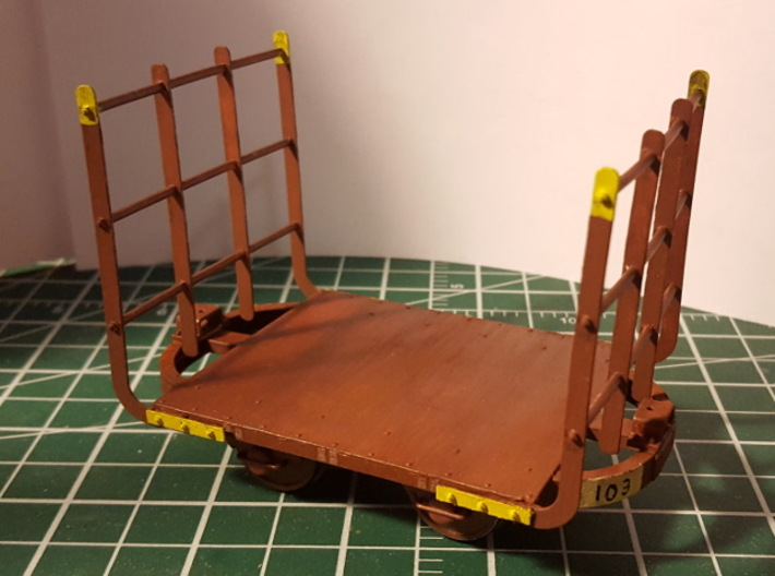 16mm Scale Hudson Bow Frame Cane Car 3d printed Painted FUD