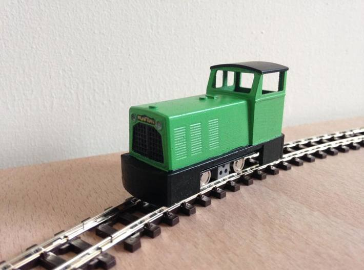 OO9 Ruston Diesel Locomotive 3d printed Model shown here fitted to a HM-01 chassis.