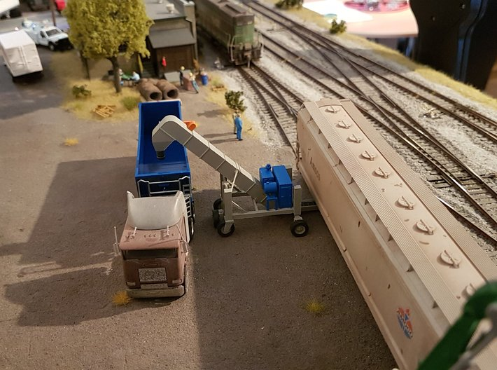 HO 1/87 Conveyor Unloader - Rail Hoppers/Road tank 3d printed Another customer's conveyor loader/unloader.