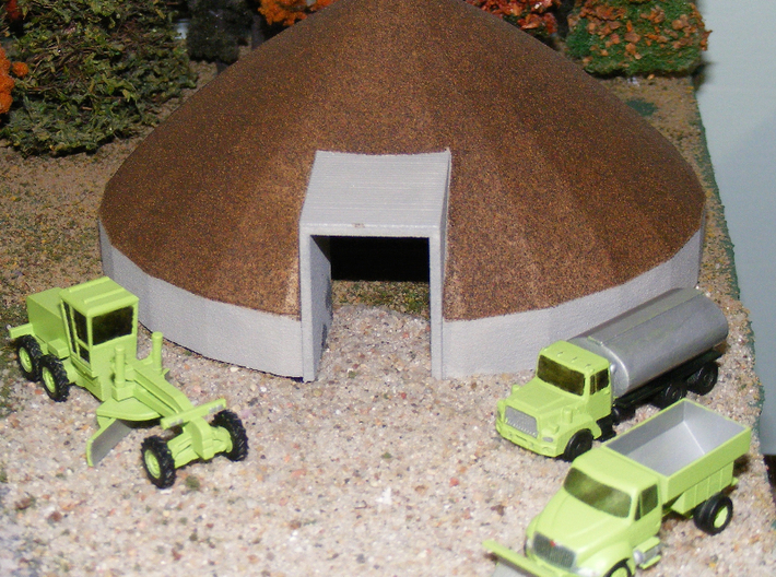 Mack Salt or Sand Truck - Nscale 3d printed Painting and photo by Jeff King