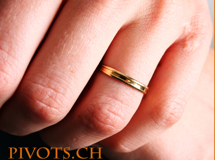 """4/5 Ring """"Victoire"""" 3d printed Model wearing """"Victoire"""""""