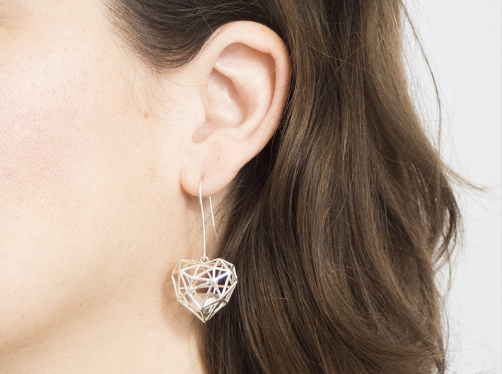 Metal Wireframe Heart Earring 3d printed