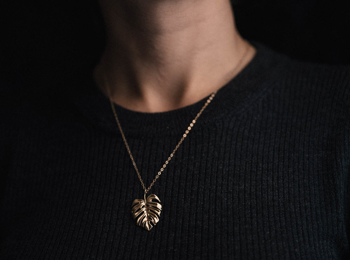 Monstera Pendant 3d printed