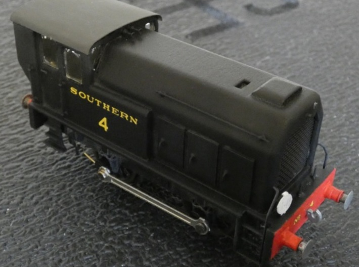 TS01 Diesel Shunter 0-4-0 Body 3d printed Body in White, Strong and Flexible Polished. Details added separately