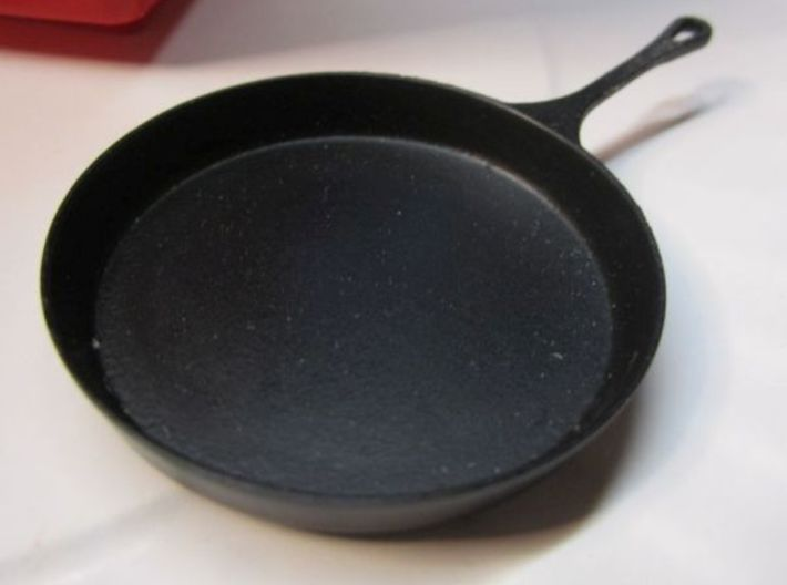 1:10 Scale 16 Inch Cast Iron Skillet 3d printed Add a caption...
